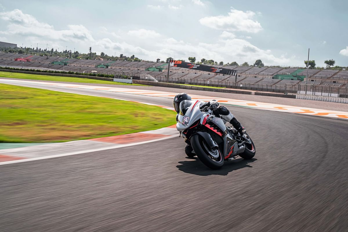 The racing kit includes aerodynamic fairing that generates downforce upto 8kgs