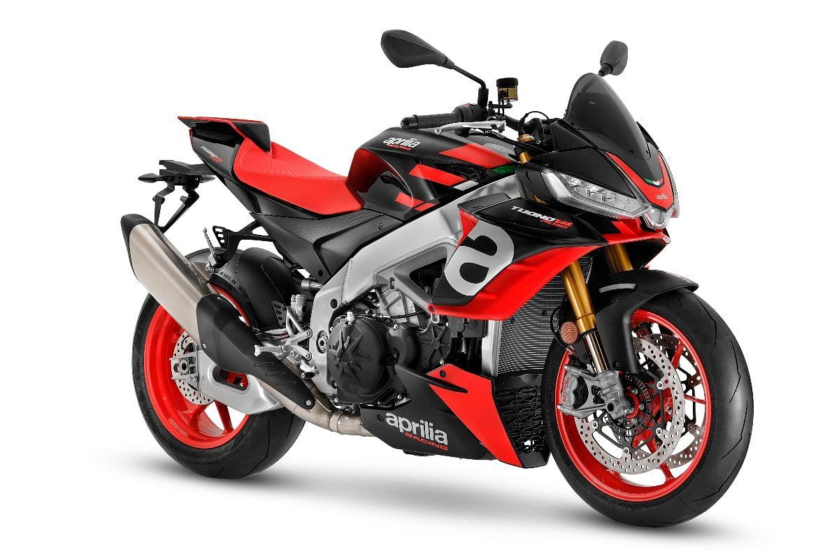 The Tuono V4 follows the naked-superbike design language with minimal amount of fairing