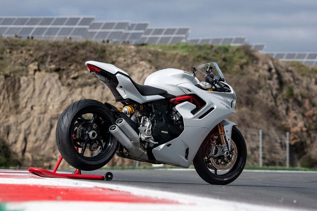 The 2021 Ducati SuperSport 950 goes up against the Kawasaki Ninja 1000SX, the Aprilia RS660 and the Aprilia Tuono 660