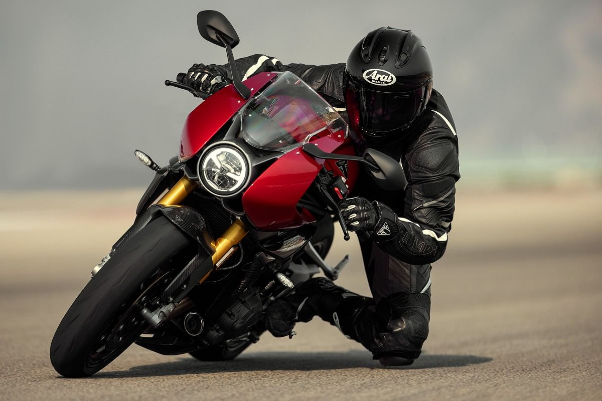 The Triumph Speed Triple 1200 RR gets gold USD forks