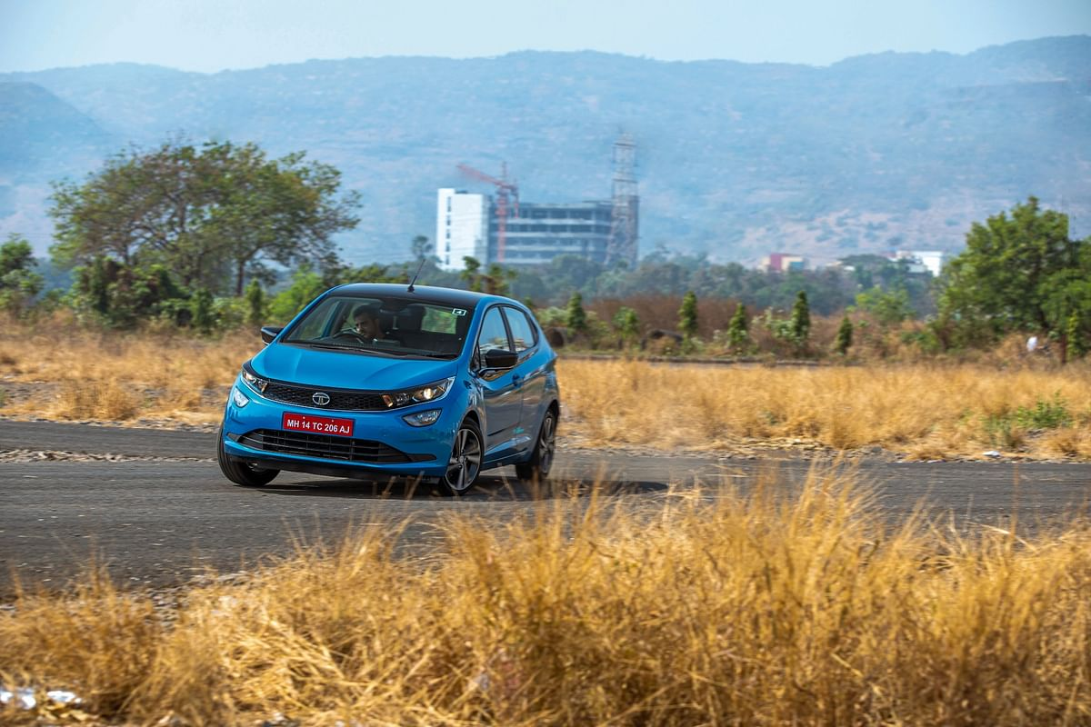 Tata Altroz completes 1 lakh sales in India, becomes the second highest selling premium hatchback