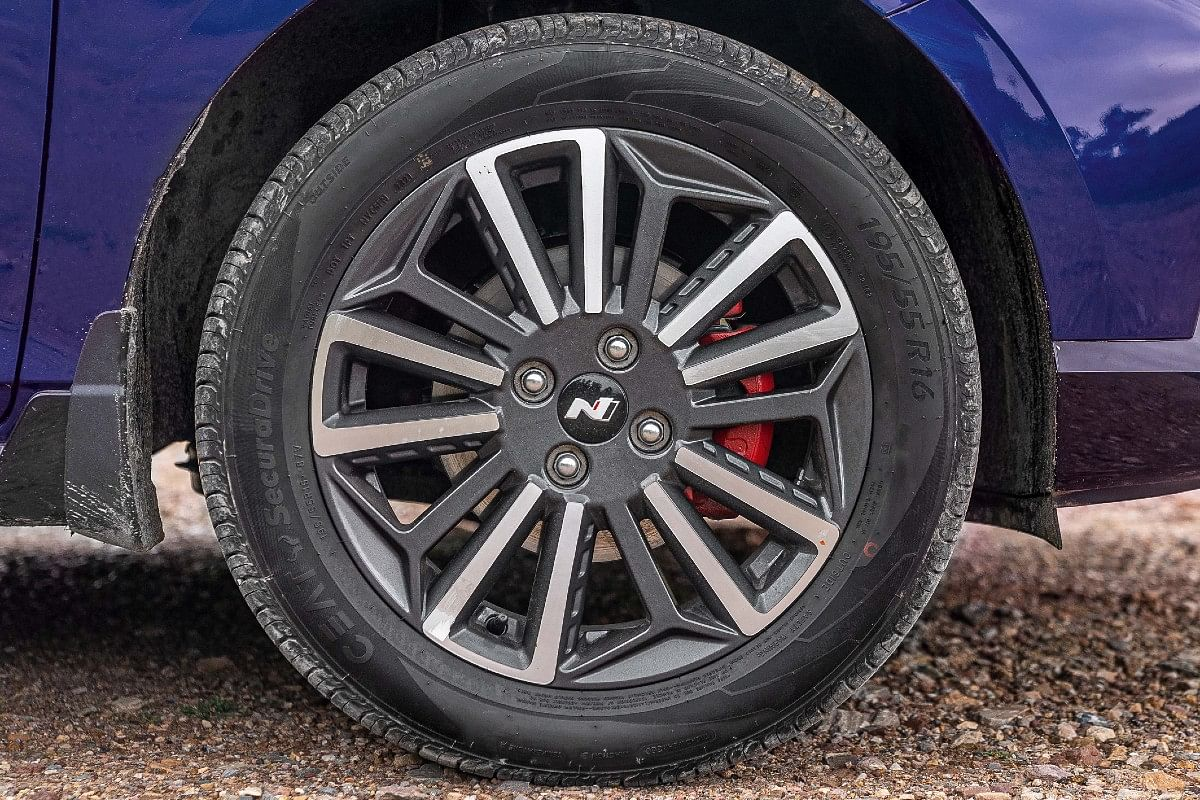 16-inch alloy wheels get a different design on the i20 N Line