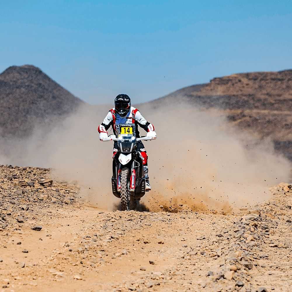 In total, the riders will complete 441km on Saturday, and will have to cover 1630kms of special stages over the next five days.