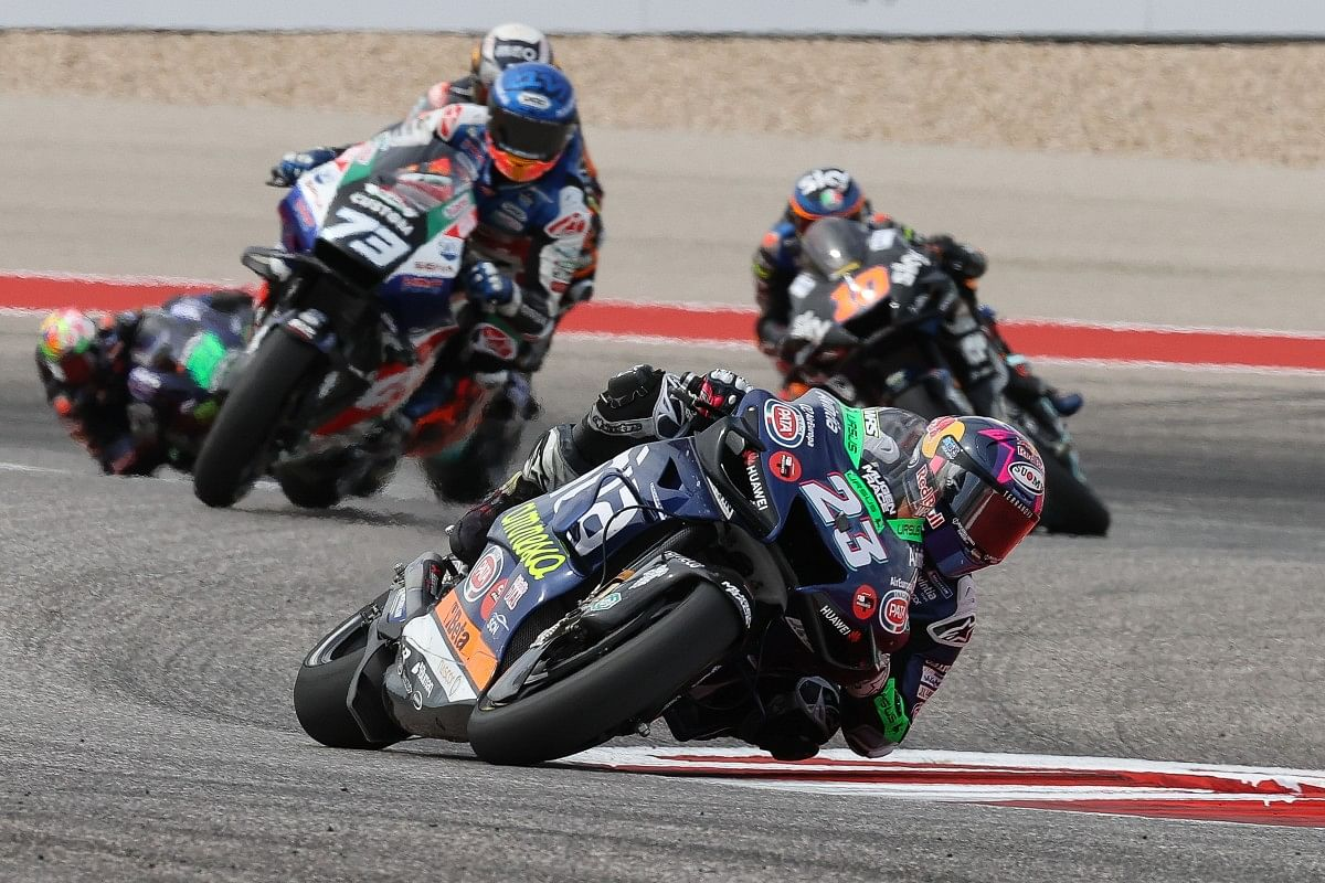 As Enea made his way into the top ten, he started replicating the pace of race leader Marc Marquez.