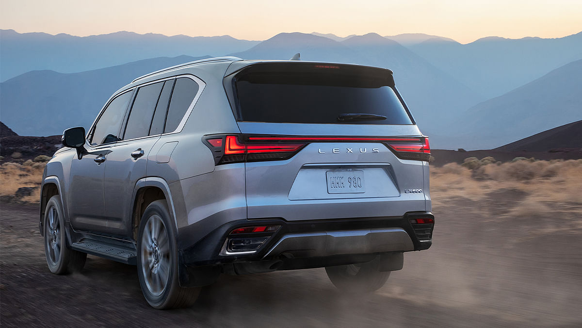 The L-shaped rear taillights are connected by a lightbar
