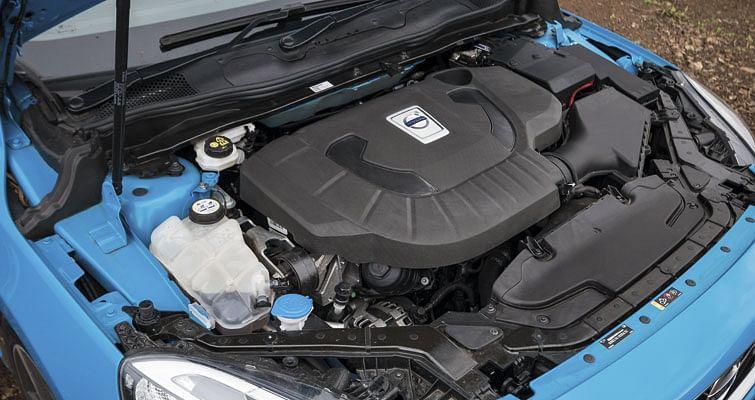 Volvo V40 R-Design Driven