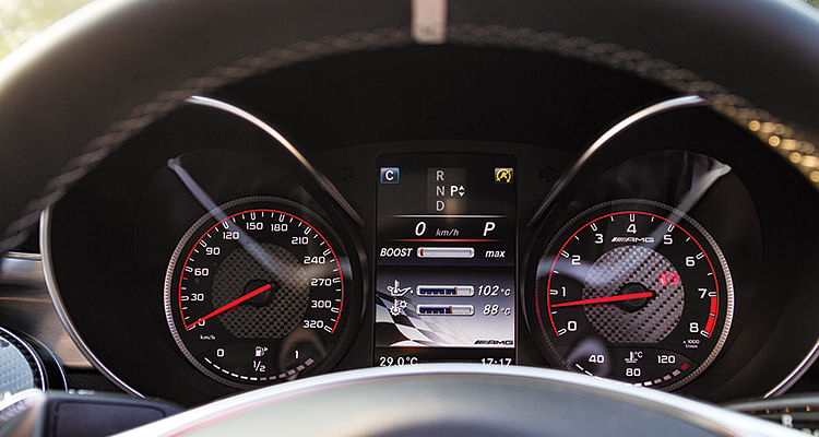 You can dial up a boost gauge and a g-force metre on the screen between the dials