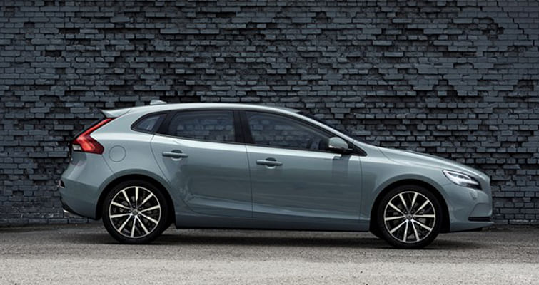 Volvo gives new face to the V40