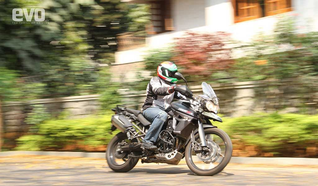 Triumph Tiger 800 XCA – evo fleet introduction