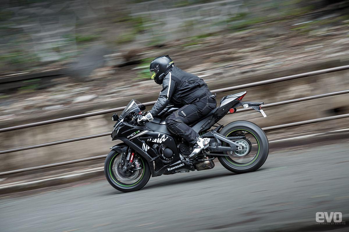Kawasaki India launches the Ninja ZX-10RR