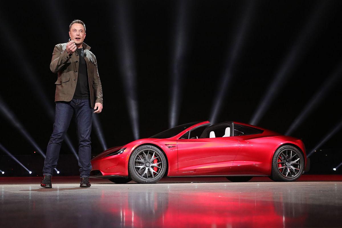 A Tesla sportscar that's quicker than a Chiron!