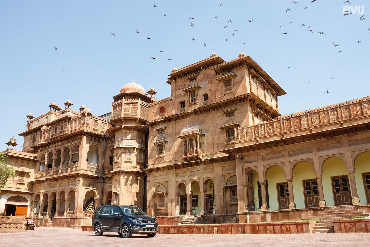 Junagarh fort is the landmark of Bikaner, right in the heart of the city.