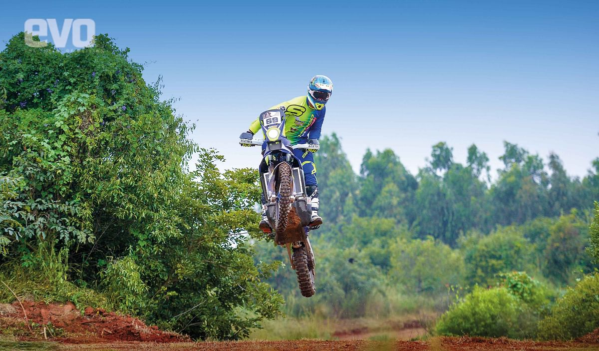 Riding TVS RTR 450FX with the Stars – TVS Racing Diaries