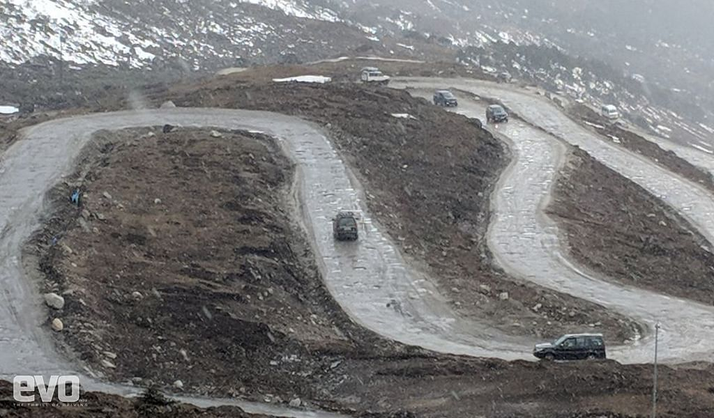 On way back to Sela Pass