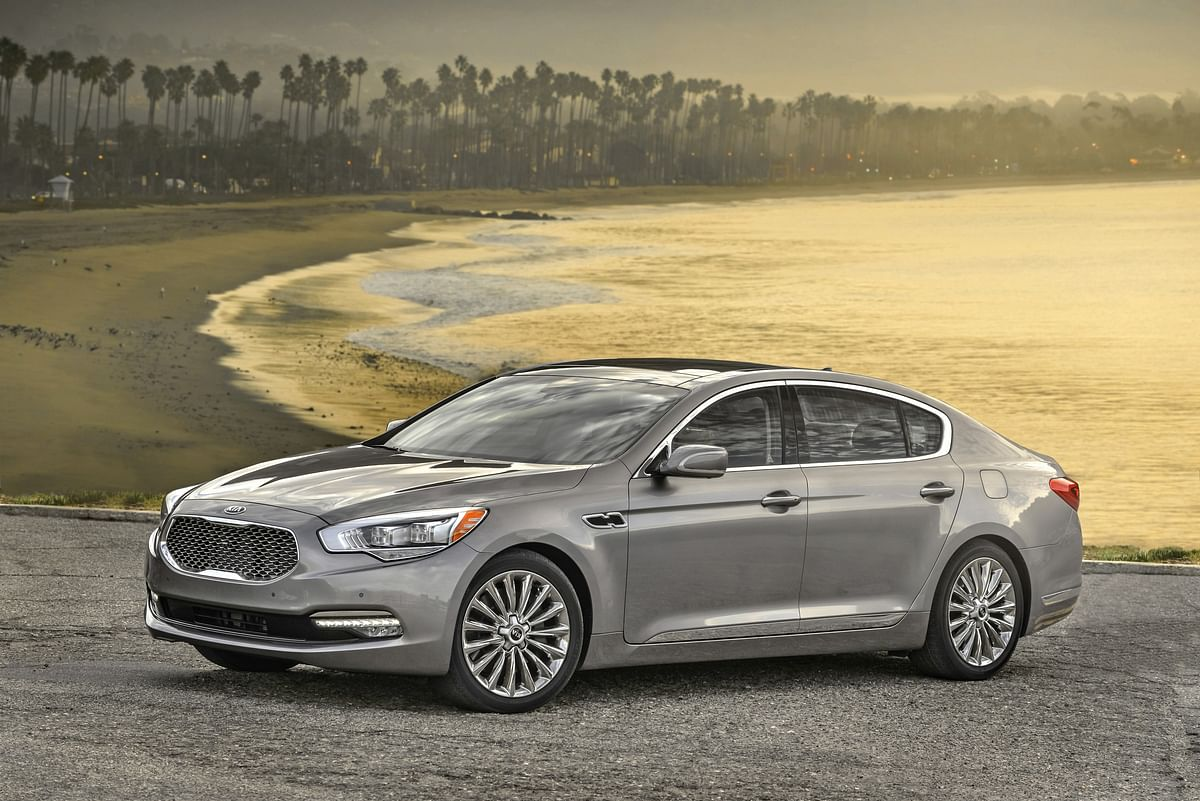 Kia Motors unveils its flagship luxury model, the K900, at the New York Auto Show