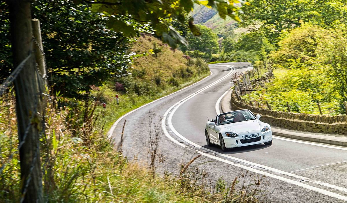 Driving the iconic Honda S2000 – the roadster from past!