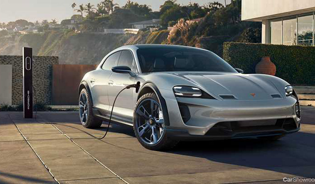 Porsche boosts e-mobility with its first 800V fast charging park in Berlin