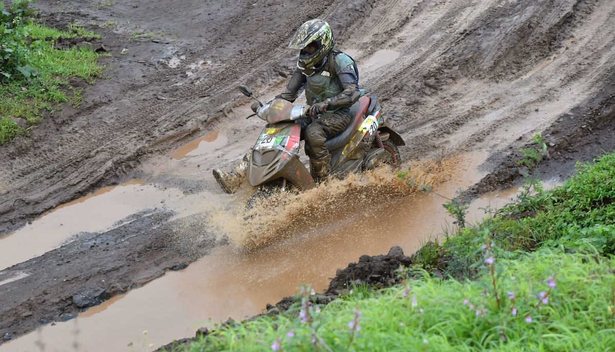 Venkatesh Shetty reigns victorious in the JK Tyre Monsoon Scooter Rally 2018