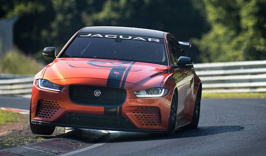 Jaguar XE SV Project 8 – The fastest four-door saloon at Nurburgring