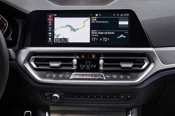 BMW reveals seventh generation 3 Series sedan at the Paris Motor Show