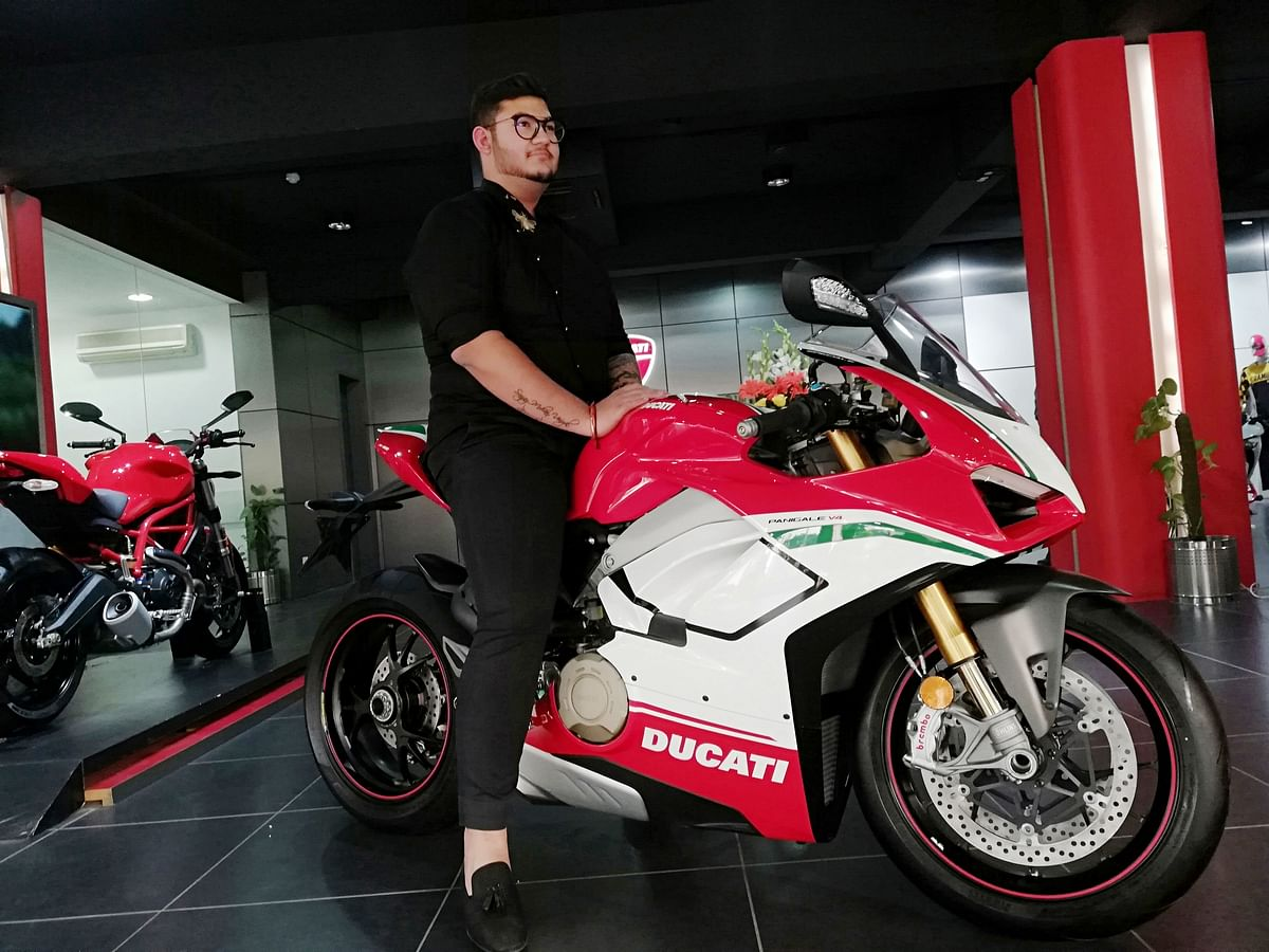 Ducati India delivers its first unit of Panigale V4 Speciale