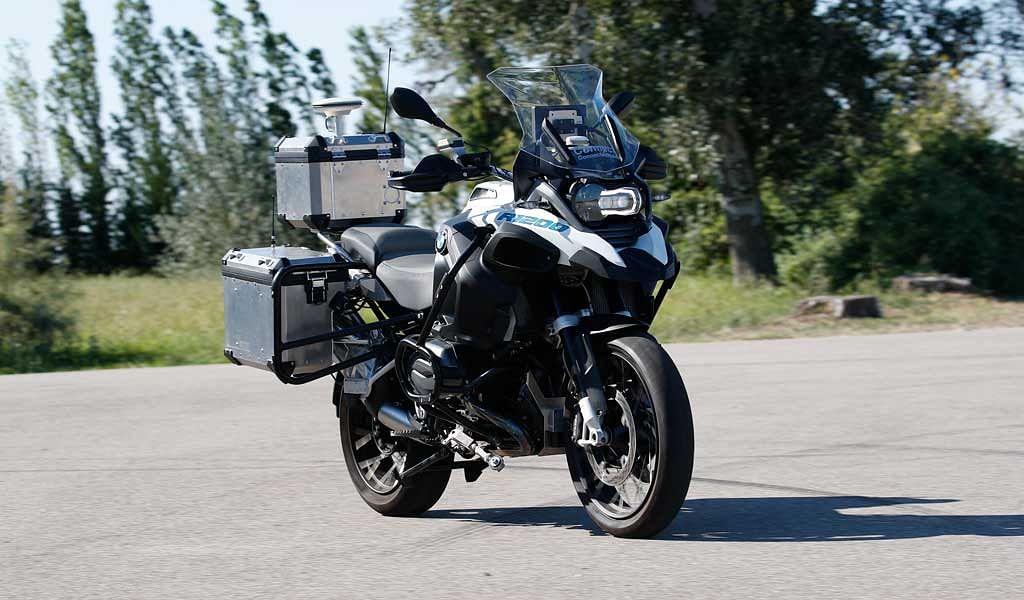 CES 2019: BMW Motorrad showcases their autonomous R 1200 GS