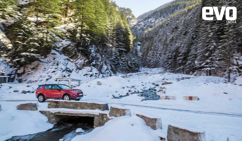 Land Rover Discovery Sport in season's first snowfall near Nelong valley