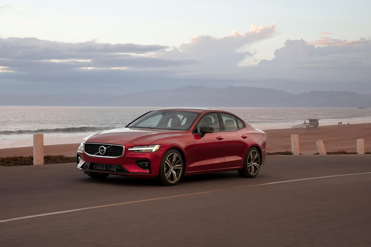 Volvo to deploy in-car cameras and intervention for safer driving