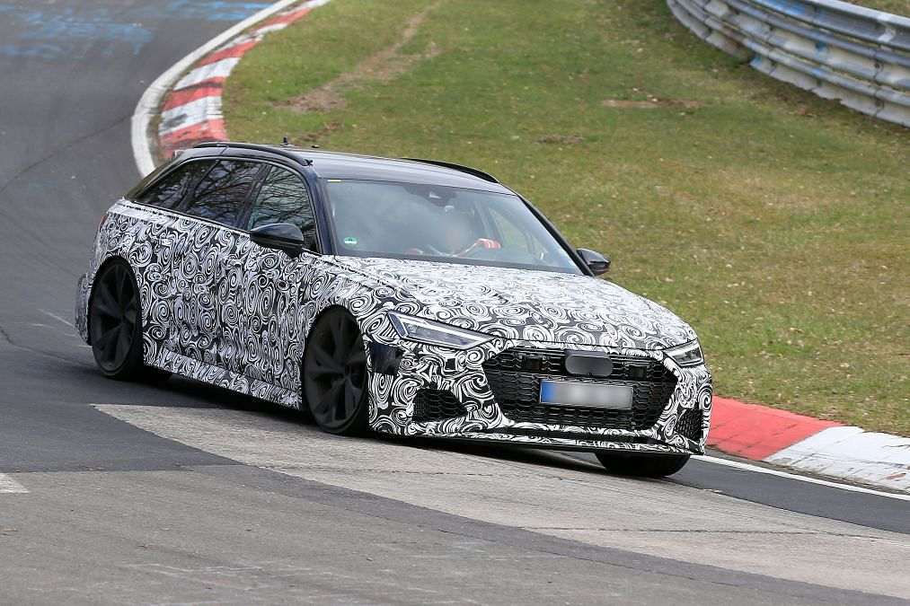 2019 Audi RS6 Avant spied with RS7 nose