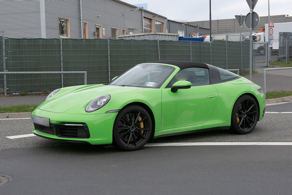 Porsche 911 Targa spied – 911's third body style is back