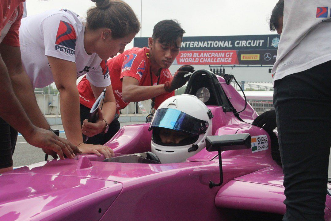 Sneha Sharma leads the Women's Cup in the F4 SEA championship 2019