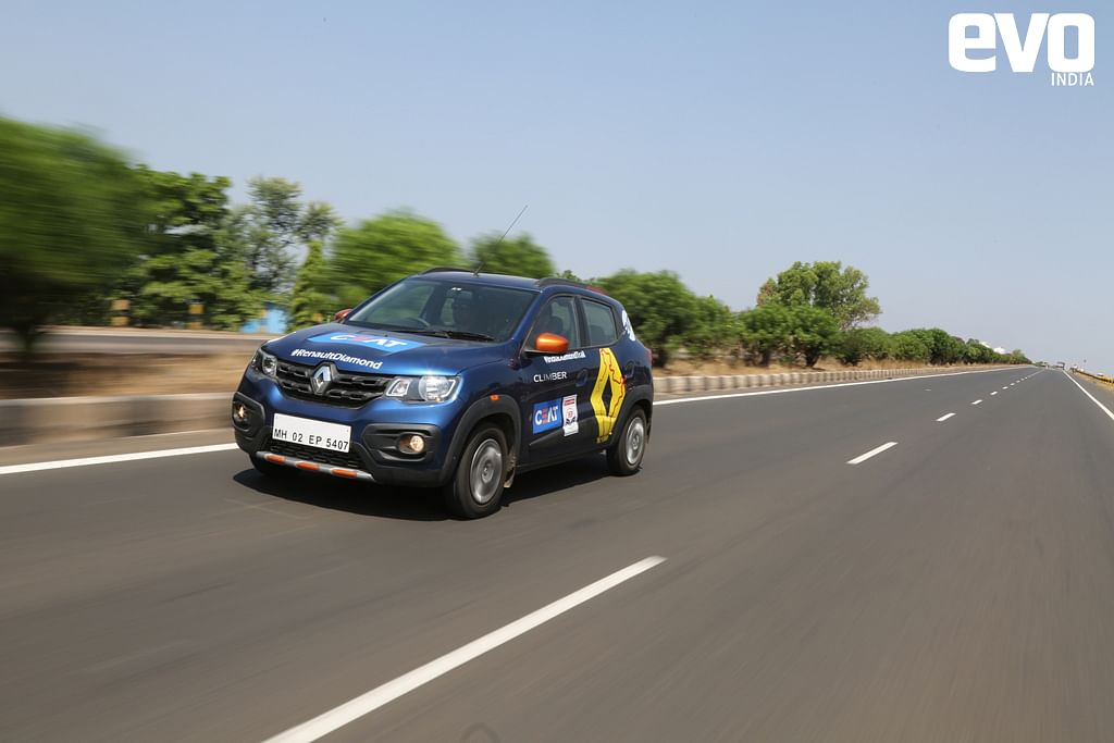 Kwid on the Mumbai-Bangalore Highway