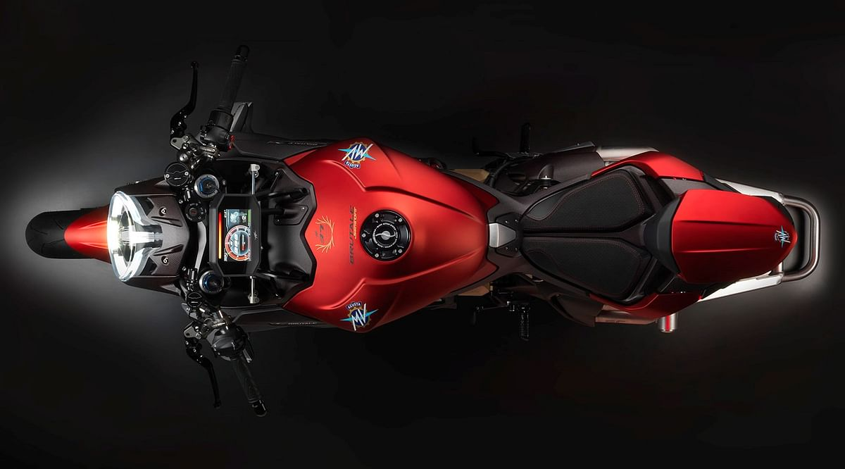 Standard versions of the Superveloce 800 and Brutale 1000 confirmed