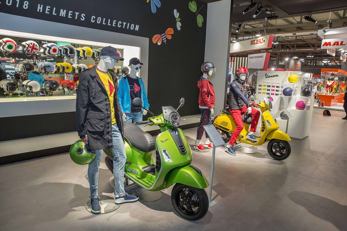 Vespa announces range of made to order helmets