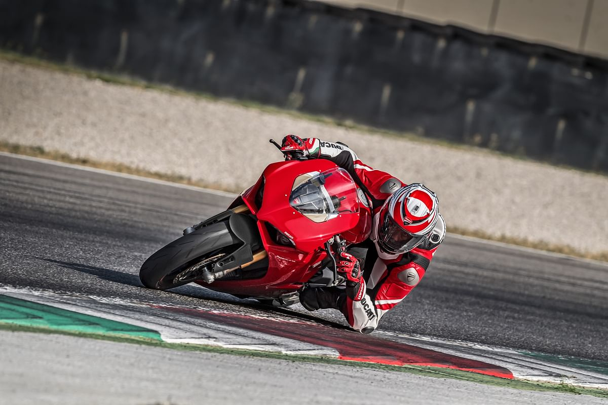 Ducati Panigale V4 launched at Rs. 20.53 lakh
