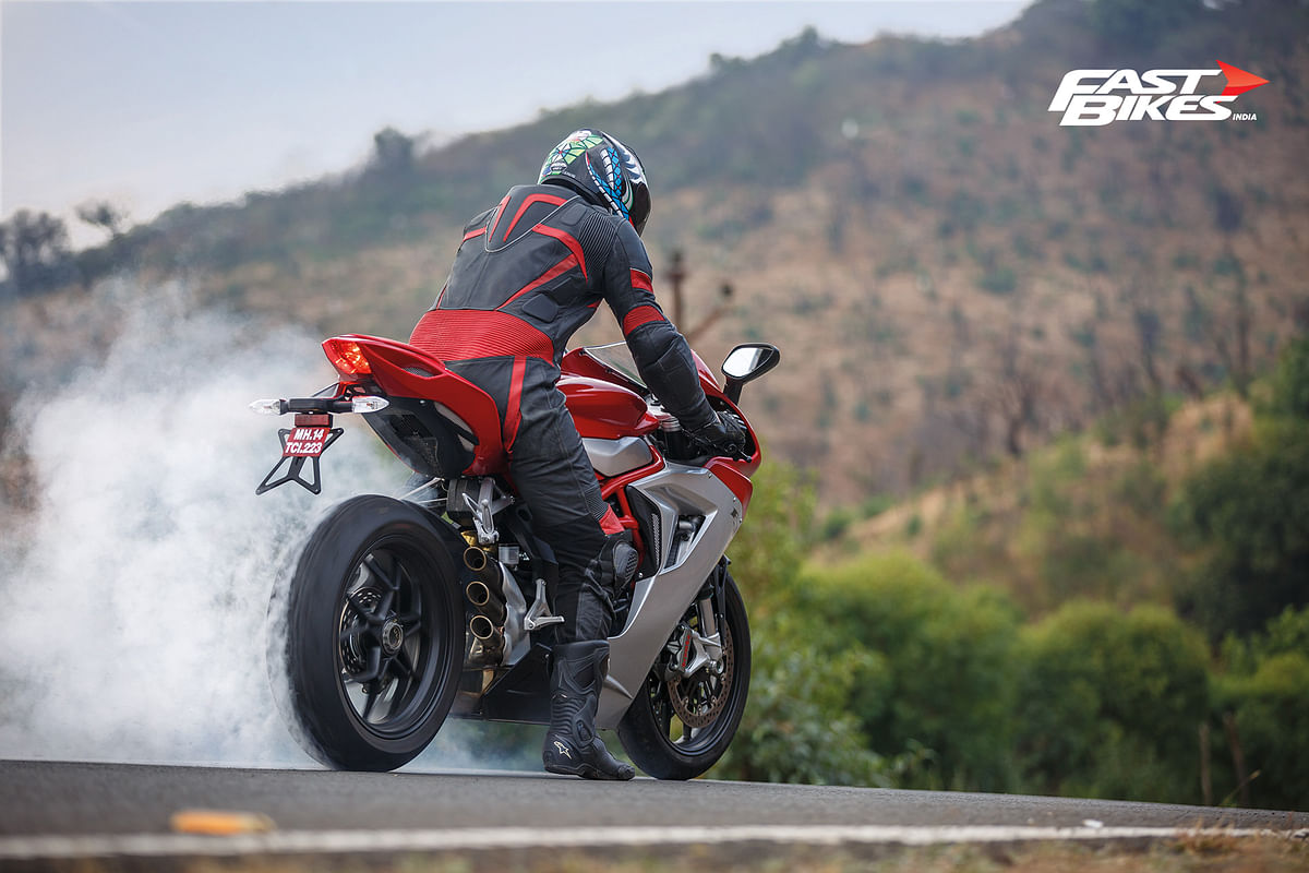 MV Agusta F3 800: The middle ground