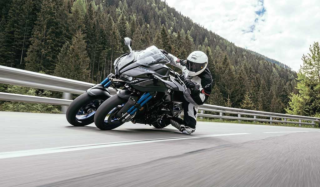 Test ride review: Yamaha NIKEN, the three-wheeled scorpion