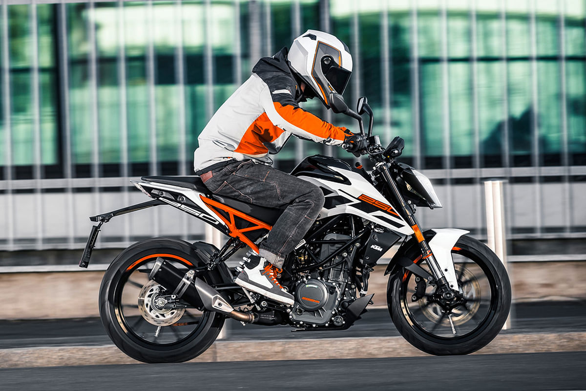 Will KTM Be Surprising Us With A 250 Duke Tomorrow?