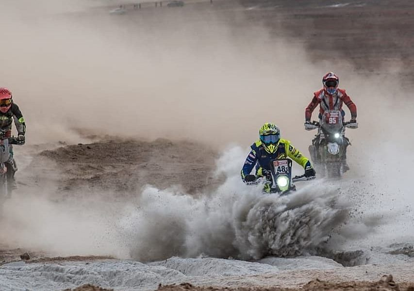 The victories and trepidation of two wheels on sand