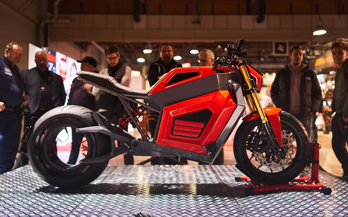 RMK introduces electric motorcycle with hubless wheel design