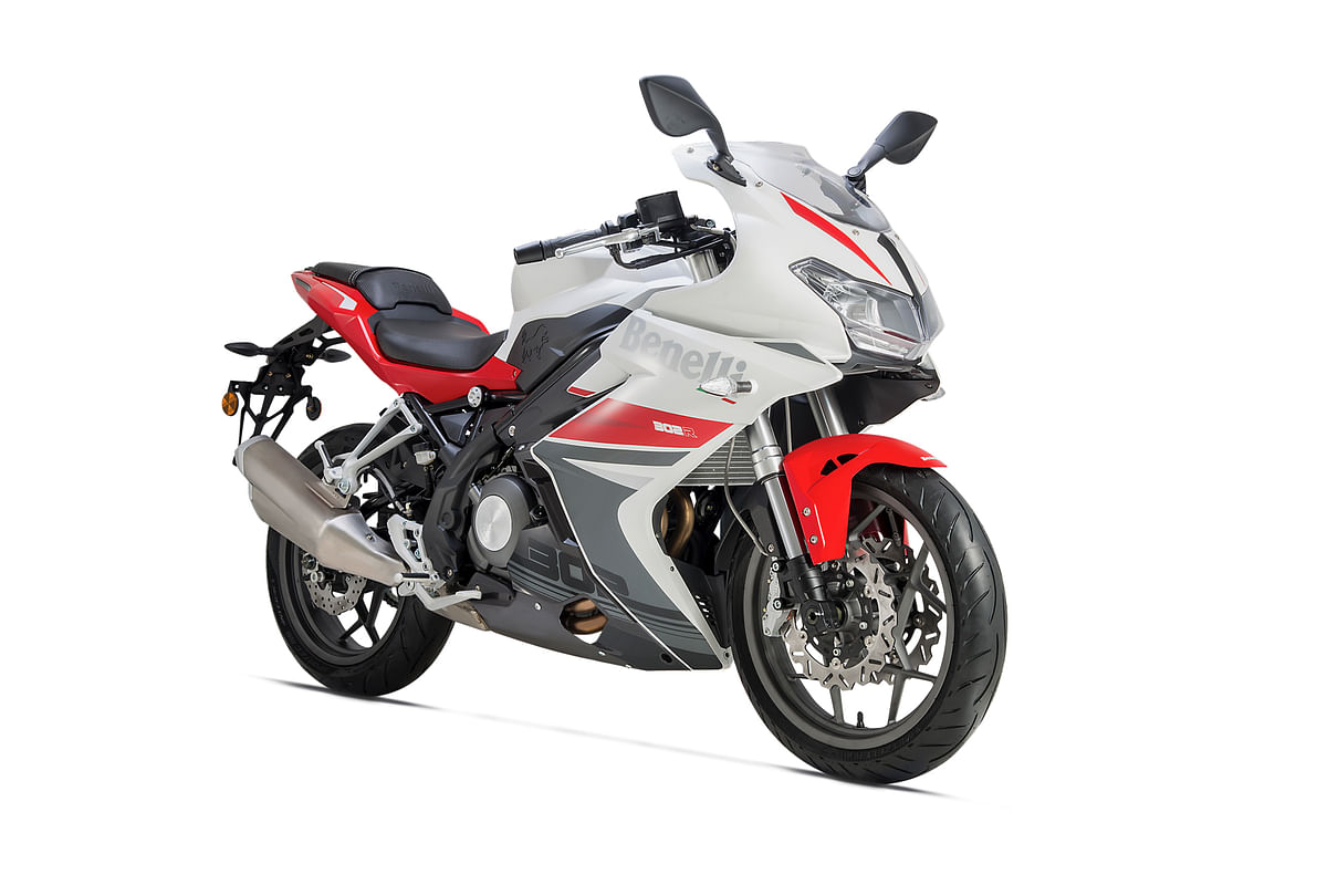 DSK Benelli 302R bookings open