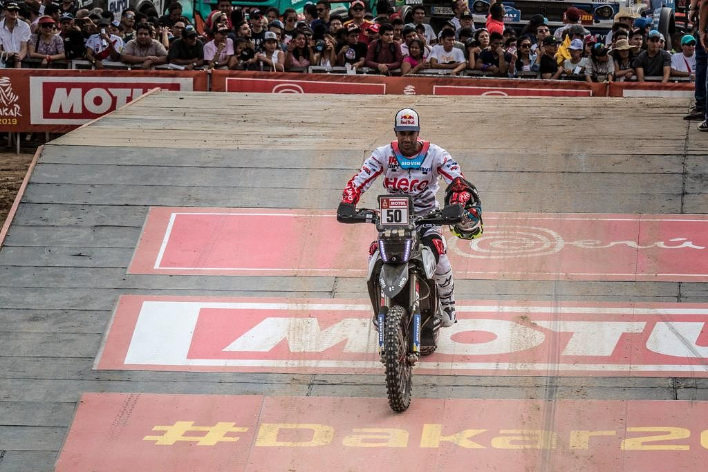 Dakar Rally 2019, stage 1: CS Santosh in top 20