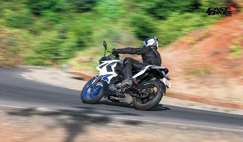 Pulsar Mania Thrill of Riding part 5: Art of cornering