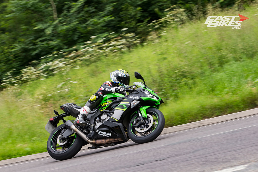 Ninja ZX-6R vs 690 SMC R vs MT-09SP: Style vs Smile