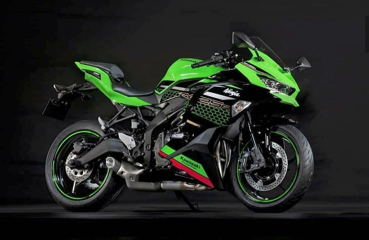The Kawasaki Ninja ZX-25R brings top-drawer equipment into the 250cc class