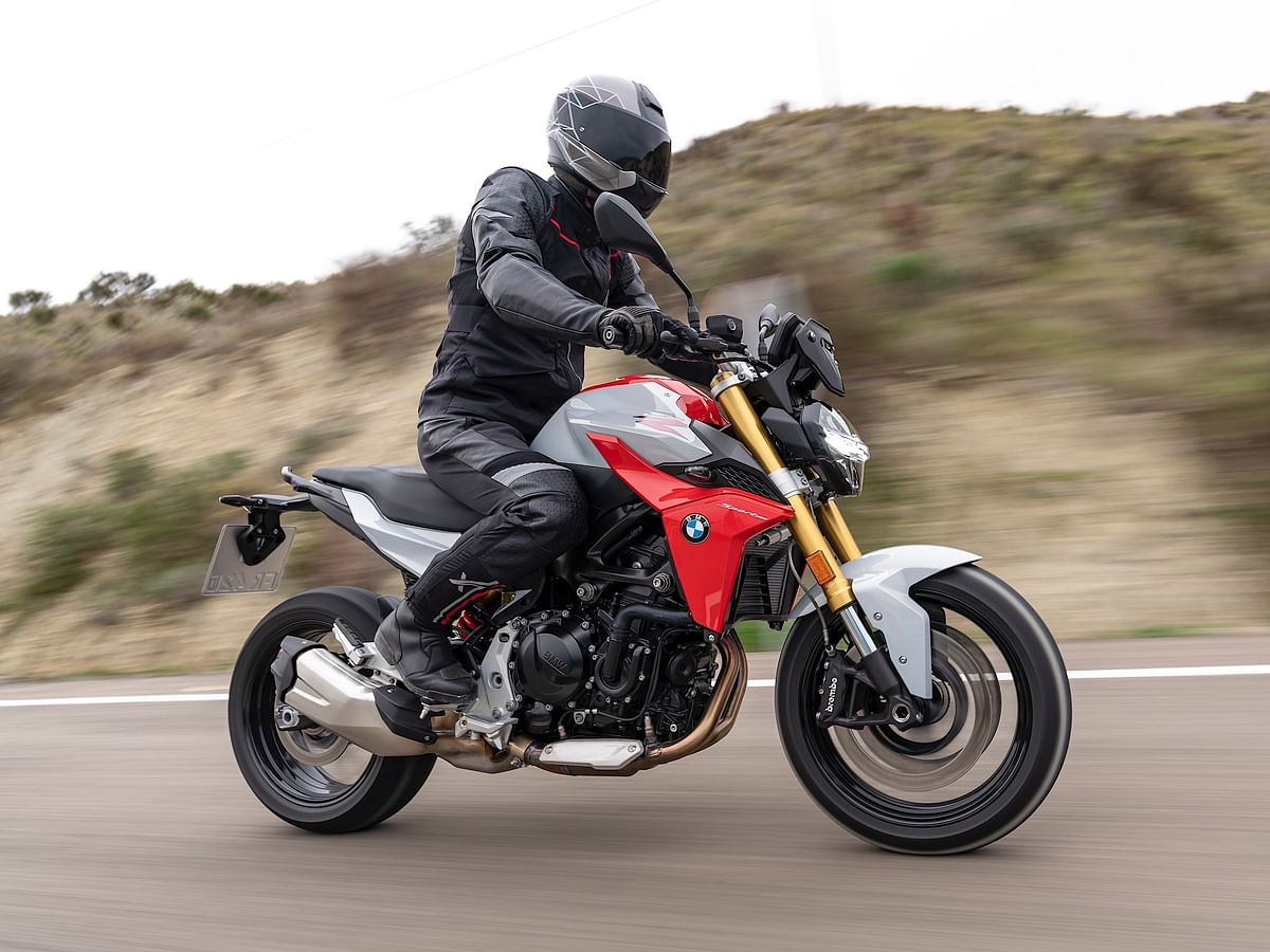 The F 900 R will go up against the likes of KTM 790 Duke and Triumph Street Triple S.