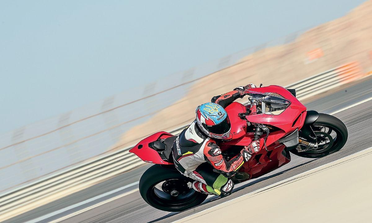 2020 Ducati Panigale V4S: Refined Rocket