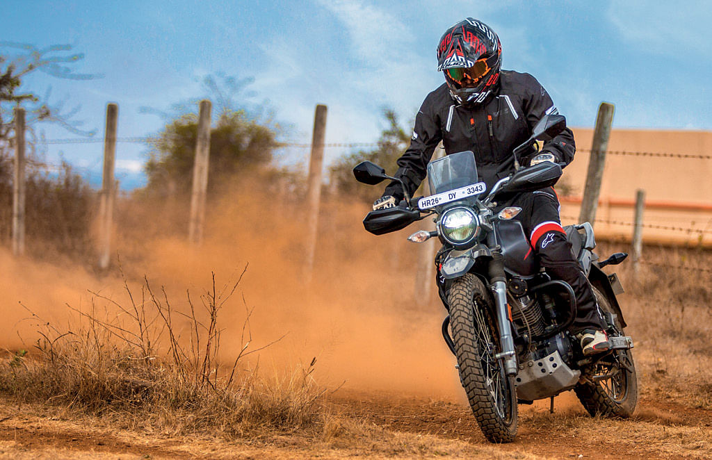 The Xpulse 200 gets   brilliant brakes that have been tuned for off-roading.