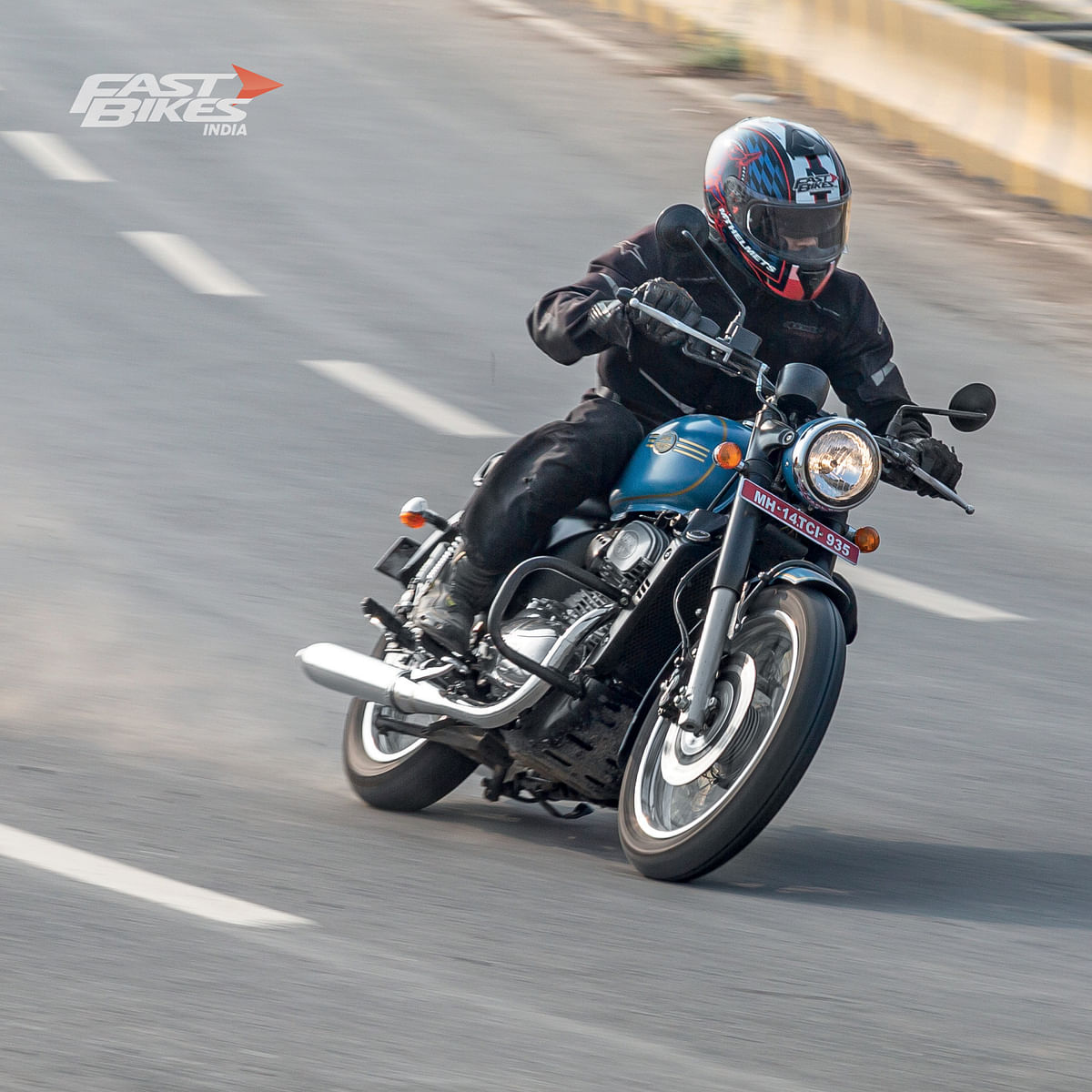 Jawa Forty-Two v Suzuki Gixxer SF 250: Which one should you take your significant other on?