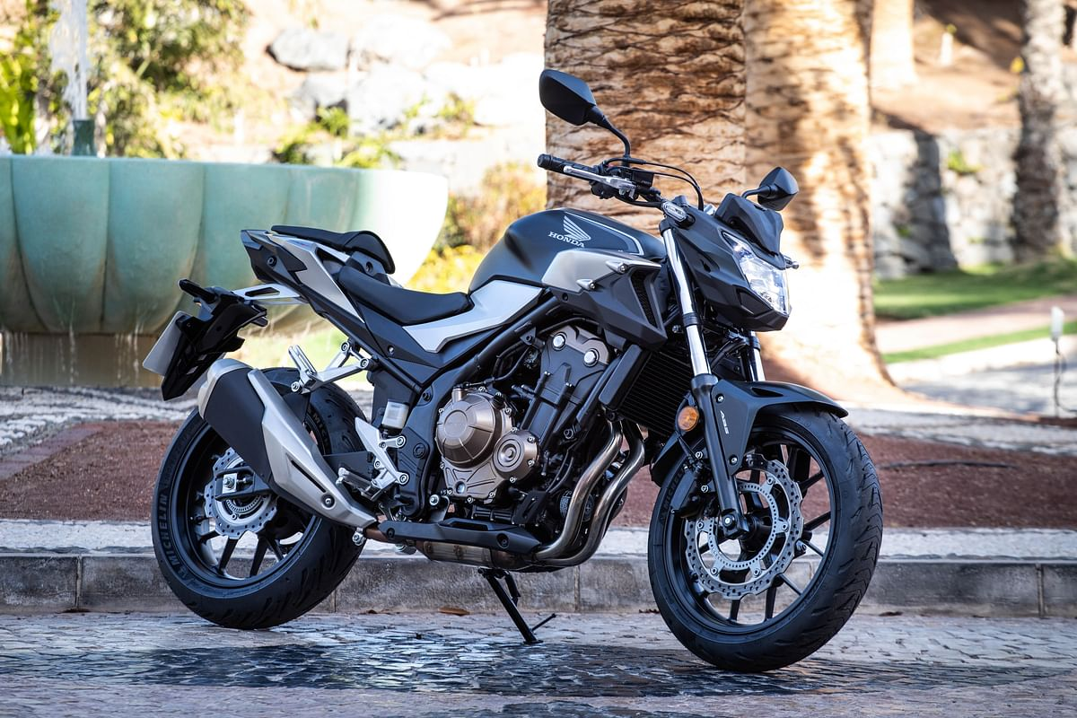 The naked streetfighter comes with aggressive looks and a very comfortable riding position.